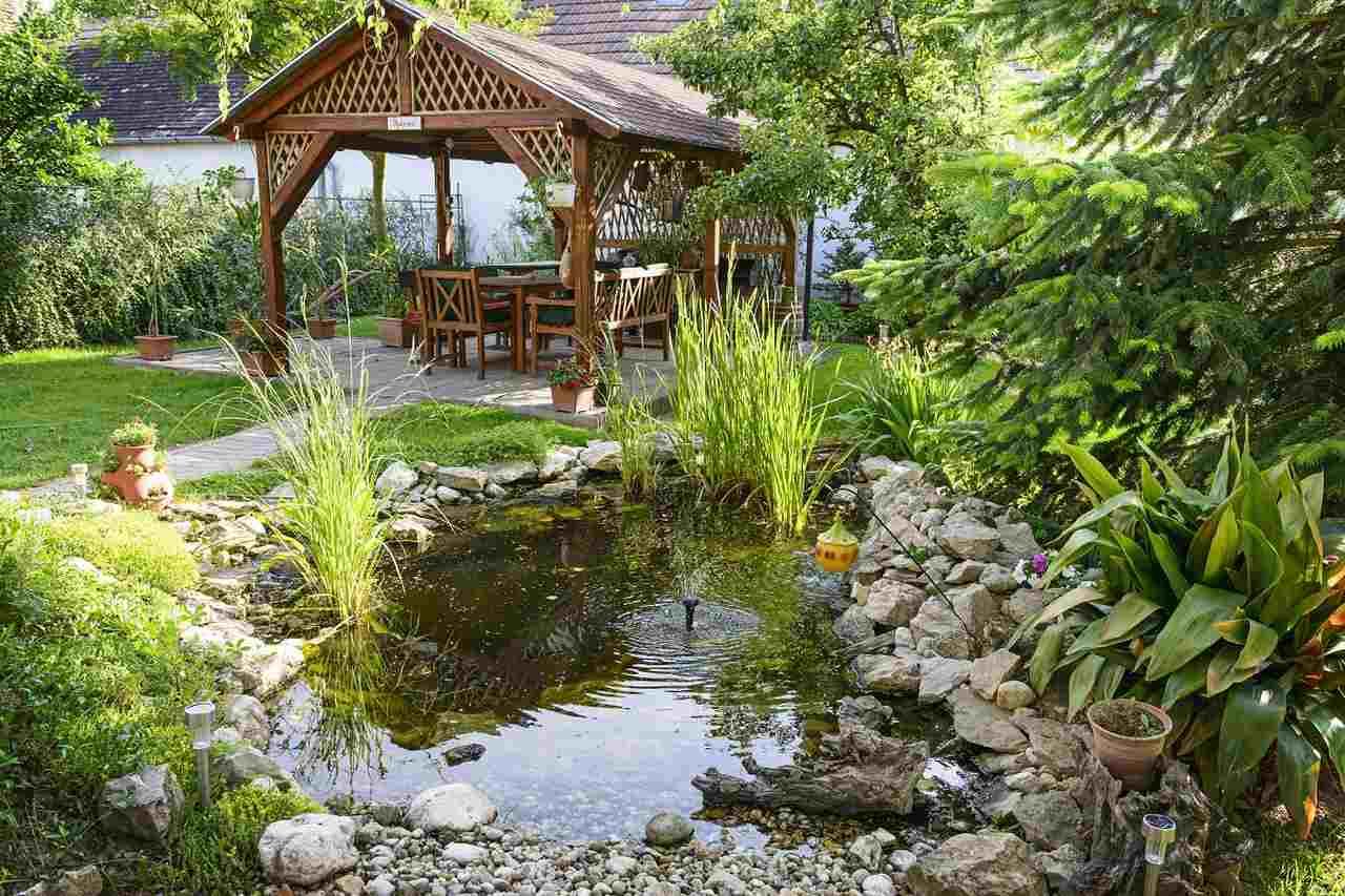 Solarbrunnen Garten Stein
